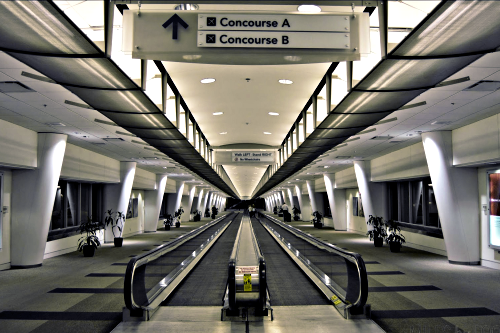 movingwalkairport